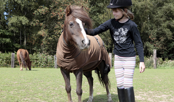 Das Vertrauen zwischen Pony und Kind ist das Wichtigste.